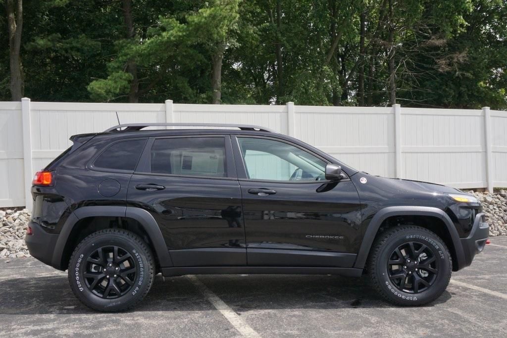 2018 jeep cherokee. unique cherokee new 2018 jeep cherokee trailhawk with jeep cherokee